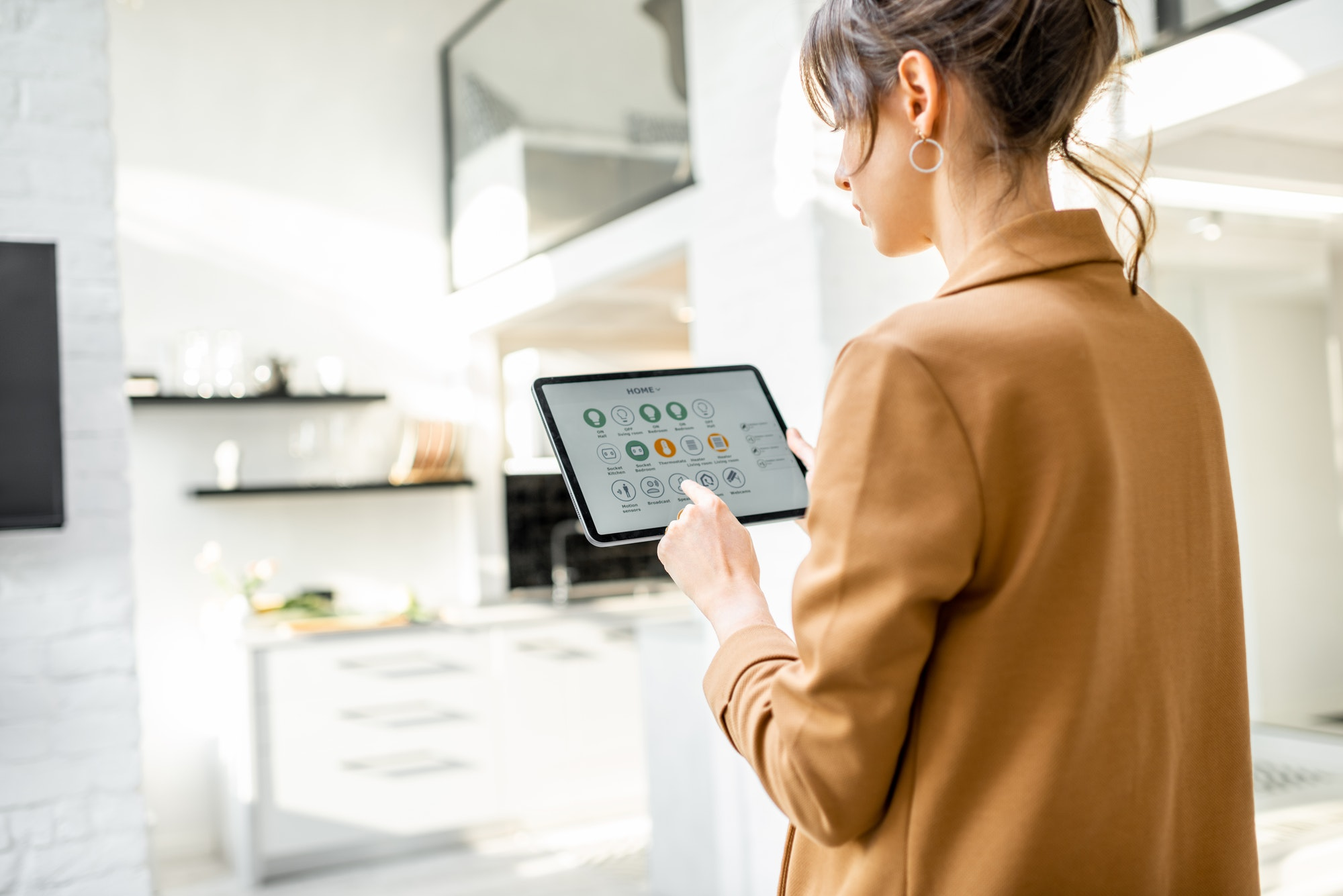 Controlling smart home with a digital tablet